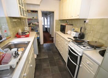 Thumbnail Room to rent in Chiltern Crescent, Earley, Reading, Berkshire