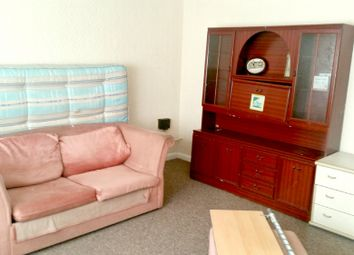 Thumbnail 1 bed flat to rent in Woodhill, London