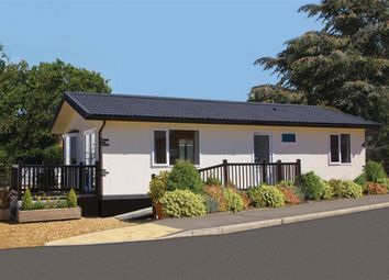 Thumbnail 2 bed mobile/park home for sale in Quarry Moor Park, Ripon