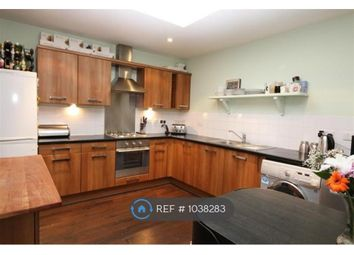 2 bed flat to rent in Market Place, Bexleyheath DA6