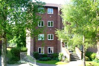 Thumbnail 1 bed flat to rent in St Leonard's Park, East Grinstead, West Sussex