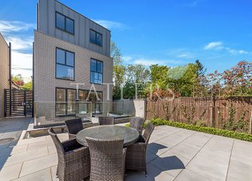 Thumbnail 6 bed detached house to rent in Yewtree Close, Alexandra Park Road, London