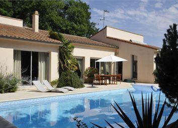 Thumbnail 6 bed detached house for sale in Poitou-Charentes, Deux-Sèvres, Saint Maixent L'ecole