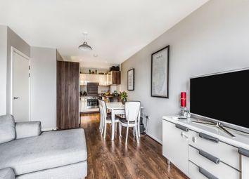 Connersville Way, Broad Green, Croydon CR0. 2 bed flat for sale