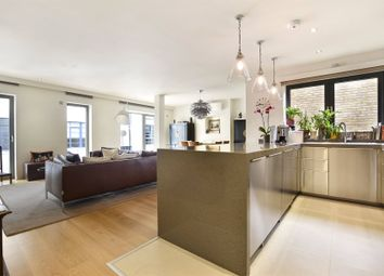 Thumbnail 3 bed flat to rent in North Mews, Holborn, London