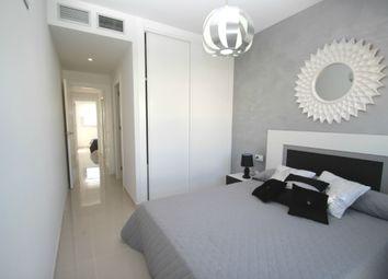 Thumbnail 2 bed bungalow for sale in Av Laguna Azul, Valencia, Spain