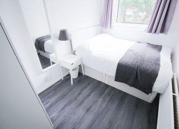 Room to rent in Devonport Street, London E1