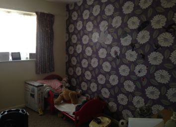 Thumbnail 1 bed flat to rent in Yeading Lane, Northolt