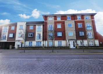 Thumbnail 2 bed flat to rent in Whitebeam Court, Didcot