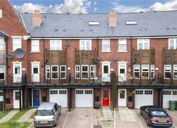 4 bed town house for sale in Huntington Crescent, Leeds, West Yorkshire LS16