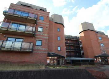 Thumbnail 1 bedroom flat to rent in Royal Court, Kings Road, Reading