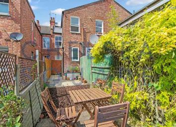 Thumbnail 3 bedroom flat to rent in Temple Road, Dollis Hill
