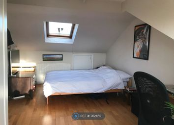 Room to rent in Anton Street, London E8