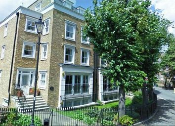 Thumbnail 4 bedroom town house to rent in Stockwell Park Road, London