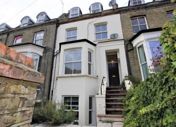 3 bed flat to rent in Sparsholt Road, London N19