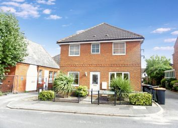 Thumbnail 2 bed maisonette for sale in Jubilee Court, Chiltern Road, Dunstable