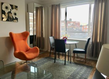 1 bed property to rent in St. Johns Wood Terrace, London NW8