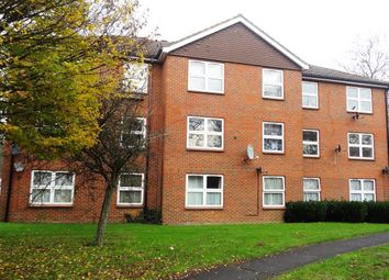 Thumbnail 2 bedroom flat to rent in By The Mount, Welwyn Garden City