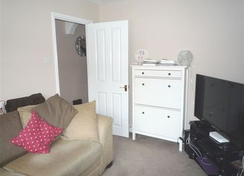Thumbnail 2 bed property to rent in Oxford Street, Caversham, Reading, Berkshire