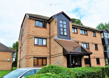Thumbnail 2 bed flat to rent in Bornedene, Potters Bar
