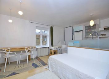 Thumbnail 1 bed flat to rent in Lisburne Road, Hampstead