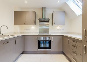 Thumbnail 2 bed flat to rent in Leighton Road, Linslade, Leighton Buzzard, Bedfordshire