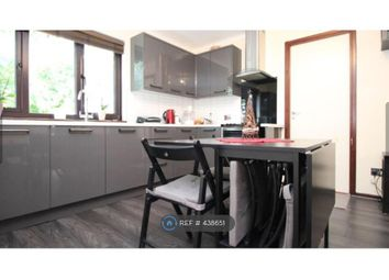 Thumbnail 2 bed flat to rent in Greenhithe, Dartford