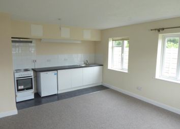 Thumbnail Room to rent in Poyle Road, Colnbrook, Slough