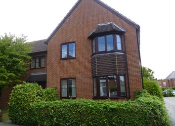 Thumbnail 1 bed flat to rent in Kennet Road, Newbury