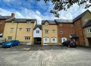 Thumbnail 3 bedroom flat to rent in Maybold Crescent, Swindon