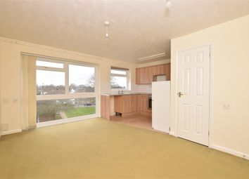 2 bed flat for sale in Winton Road, Petersfield, Hampshire GU32