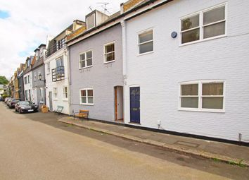 3 bed property to rent in Ruston Mews, London W11