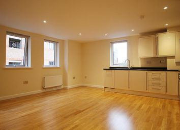 Thumbnail 2 bed flat to rent in Pembroke Road, Newbury