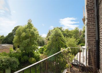 Thumbnail 3 bed flat for sale in Hampstead Lane, Highgate