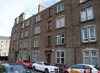 Thumbnail 1 bed flat to rent in Molison Street, Dundee, 6th