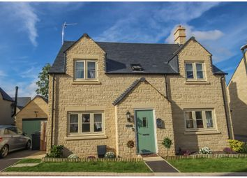 Thumbnail 4 bed detached house for sale in Pips Field Way, Fairford