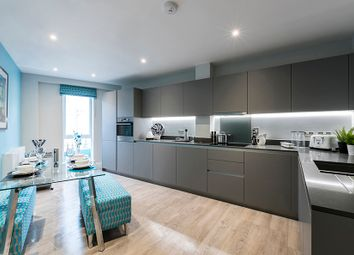 Thumbnail 4 bedroom flat for sale in Scotland Green, London