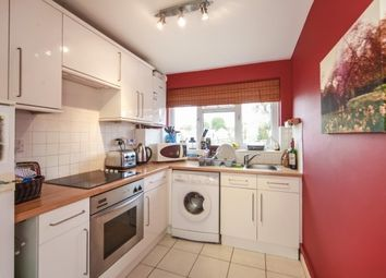 Thumbnail 2 bedroom flat to rent in St James' Road, Sutton