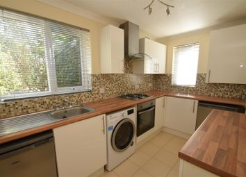 Thumbnail 2 bed flat to rent in Exbourne Road, Reading, Berkshire