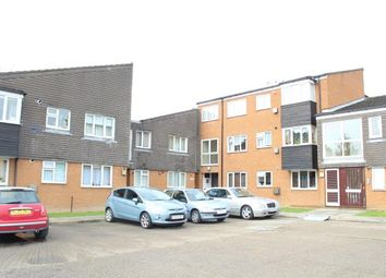 Thumbnail 2 bedroom flat to rent in Springfield Road, Cheshunt, Waltham Cross