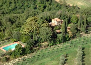 Thumbnail 7 bed country house for sale in Chiusi, Chiusi, Siena, Tuscany, Italy