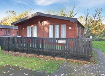 2 bed mobile/park home for sale in Shorefield Road, Downton, Lymington SO41