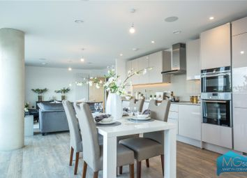 Thumbnail 3 bed flat for sale in High Road, Whetstone, London