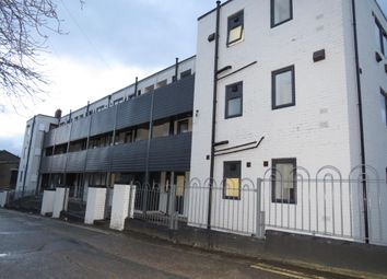 Thumbnail 1 bed flat to rent in West Parade Flats, Halifax