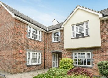 Thumbnail 2 bed flat for sale in Cross Street, Winchester