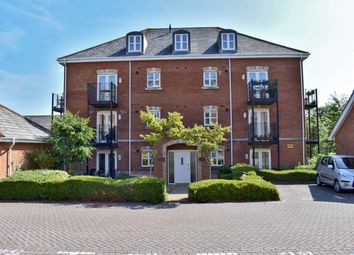 Thumbnail 2 bed flat for sale in Hillcroft Close, Lymington
