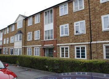 Thumbnail 3 bed flat to rent in Gladstone Avenue, London