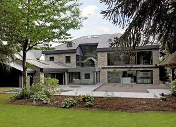 Thumbnail 6 bed detached house to rent in Stanhope Road, Bowdon, Altrincham
