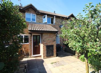 Thumbnail 2 bed property to rent in Stonecrop Road, Guildford