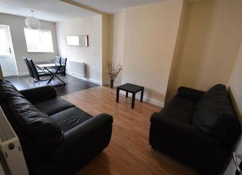 Thumbnail 5 bed shared accommodation to rent in Queen Isabels Avenue, Coventry
